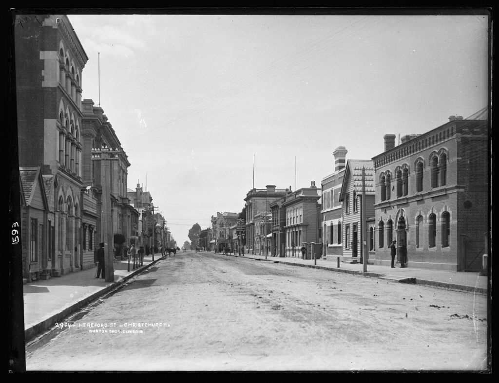 Hereford Street, Christchurch, 1880s, by Burton Brothers studio. Image: Te Papa (C.011593).