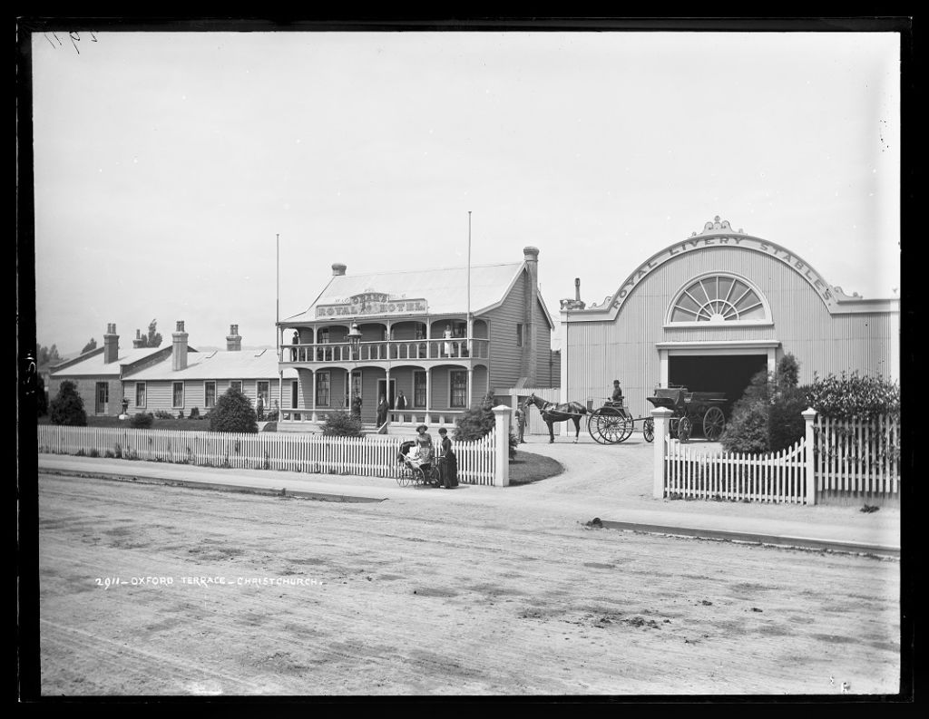 Oxford Terrace, Christchurch, 1880s, by Burton Brothers studio. Image: Te Papa (C.011554).