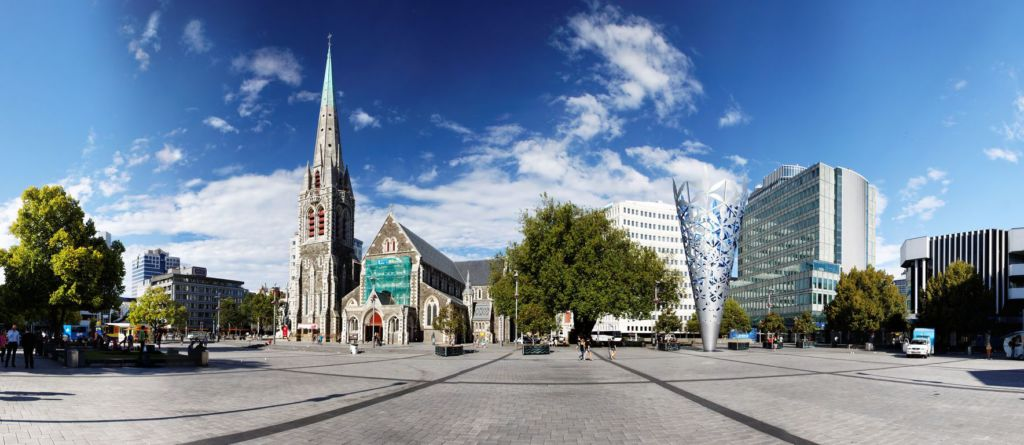 By Roger Wong from Hobart, Australia (20100130-07-Christchurch Cathedral Square panorama) [CC BY-SA 2.0 (http://creativecommons.org/licenses/by-sa/2.0)], via Wikimedia Commons