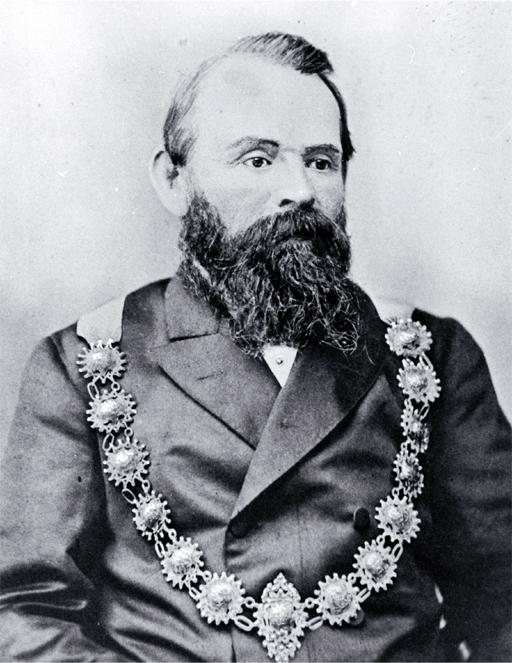 John George Ruddenklau, blinging it up. Image: Wikimedia Commons.