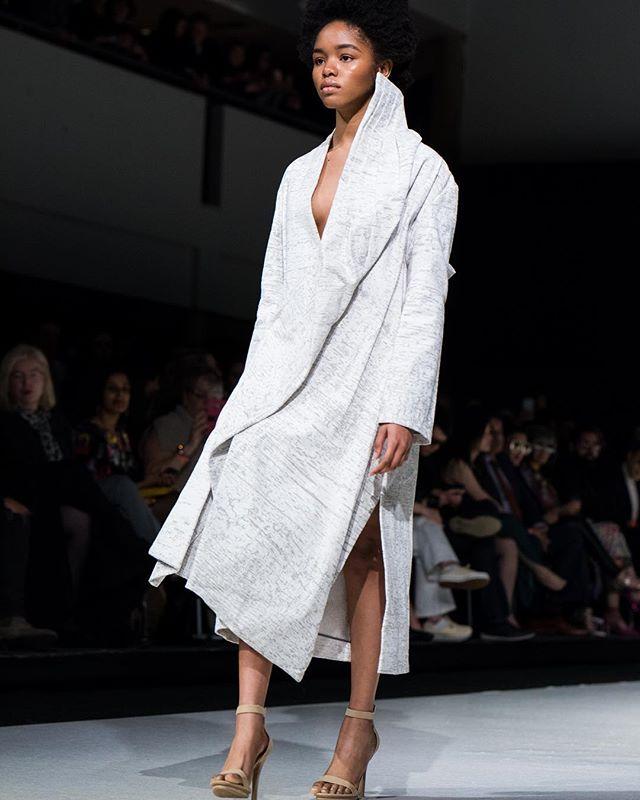 Angular details . . . .  #vancouverfashionweek #canada #fashion #fashiondesign #coat #screenprint #print