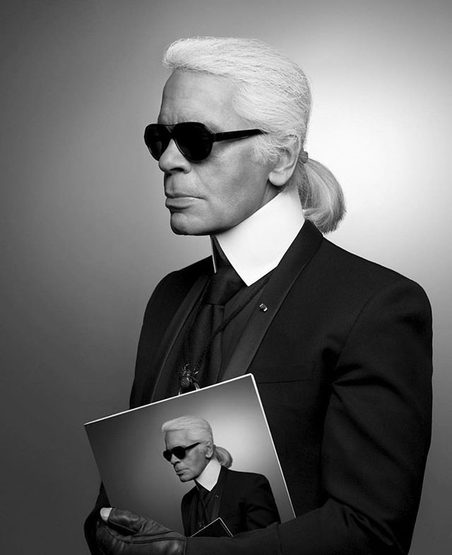 Rest In Peace to another true icon and fashion visionary. @karllagerfeld @chanelofficial @fendi  #karllagerfeld #chanel #fendi #fashion #fashiondesign #fashiondesigner