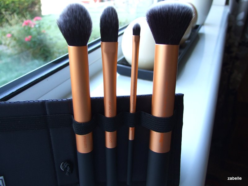 Real Techniques contour & buffing brush