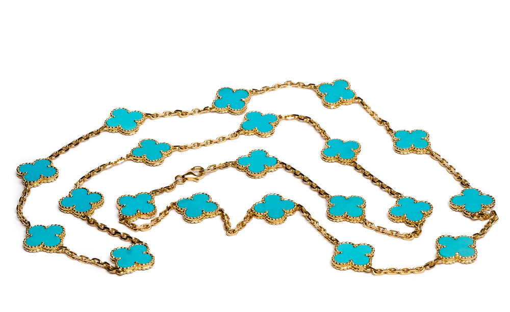 necklace product photography