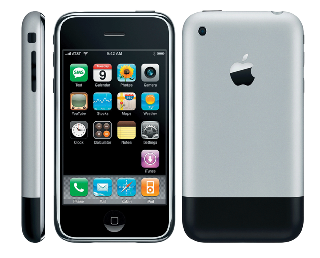 Apple Unveils 1st iPhone - January 2007