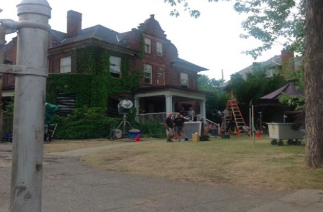 Mansion in Riverdale sets the scene for horror film 'It' - Riverdale has become a hot spot for Hollywood North but a new 24-hour film shoot has led to some complaints in the neighbourhood.