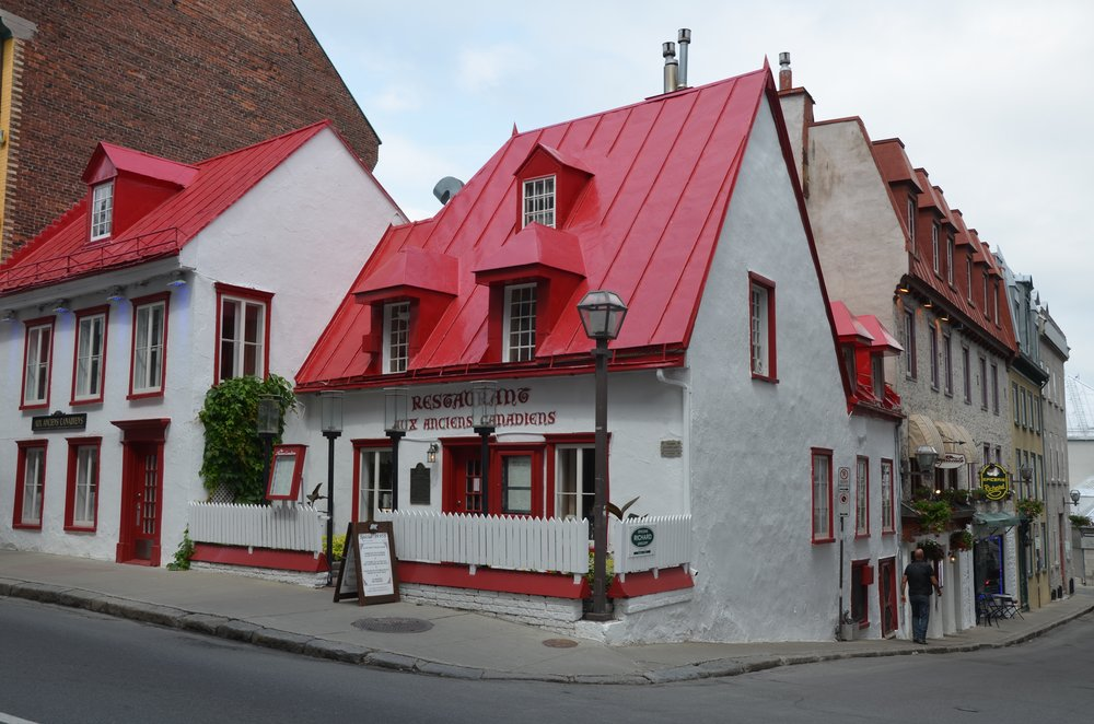 The building,known as the  Maison Jacquet , was built between 1675 and 1675. It offers up Quebec cuisine.
