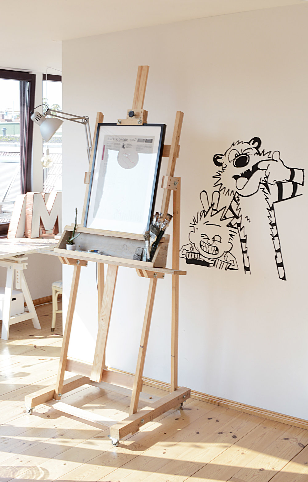 The Monster Easel -