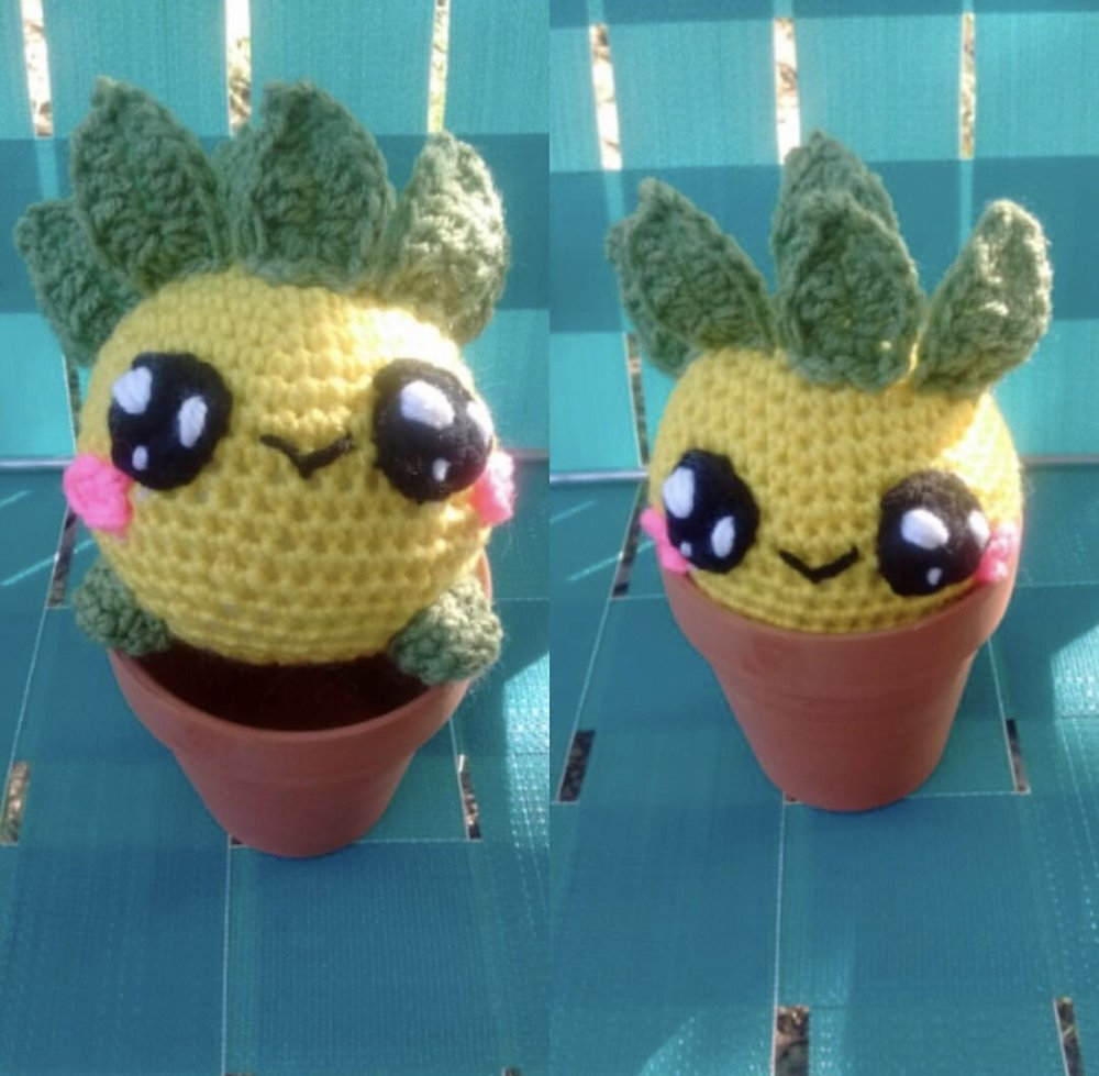 Pineapple Oddish made by @stitchcraftatgraves
