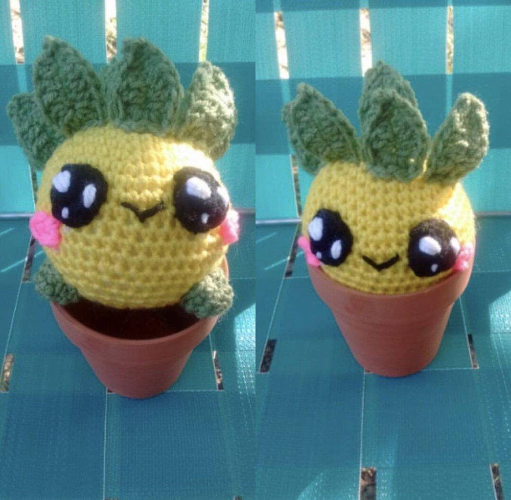 Pineapple Oddish made by @stitchcraftatgraves