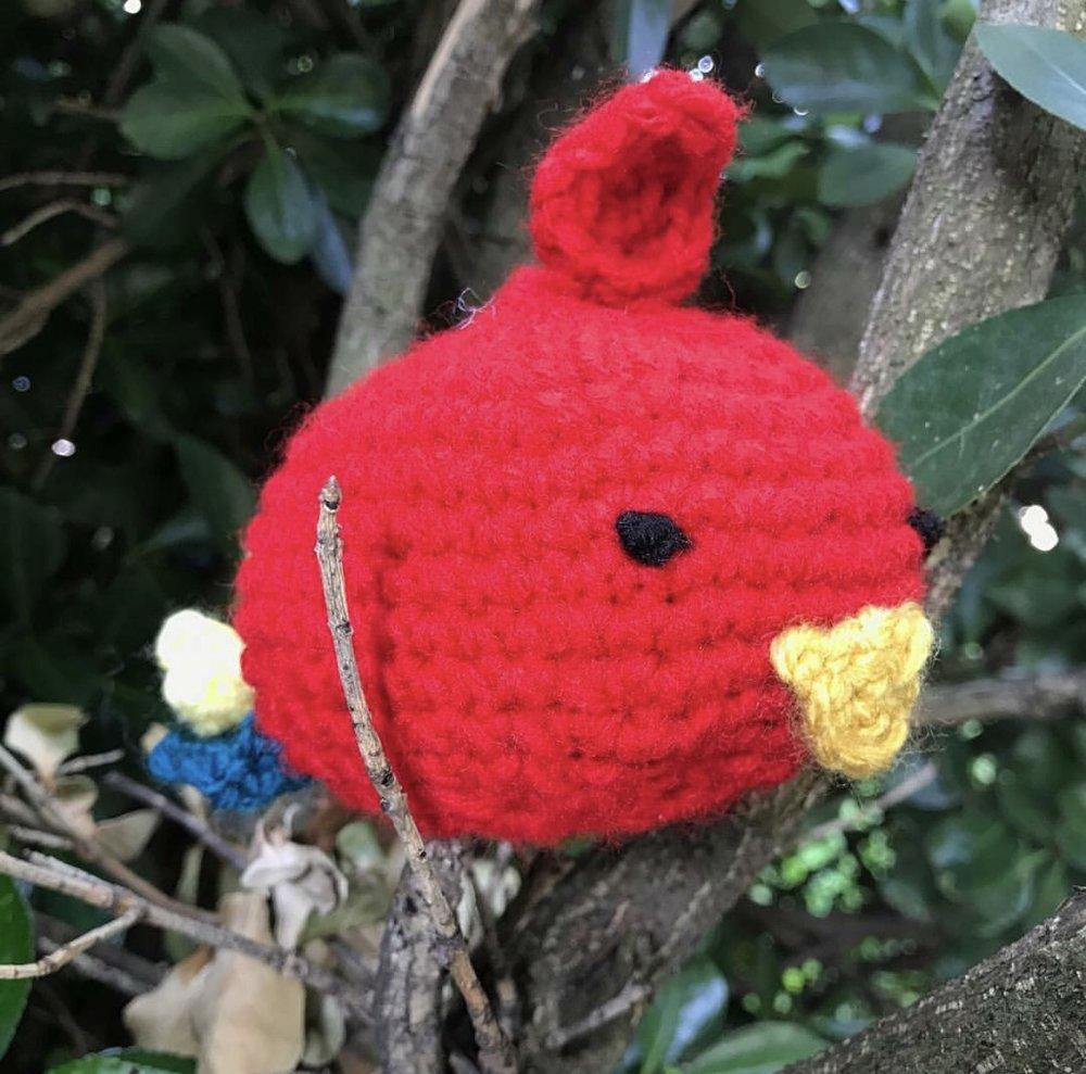 Parrot Oddish made by @rookiehookercrochet