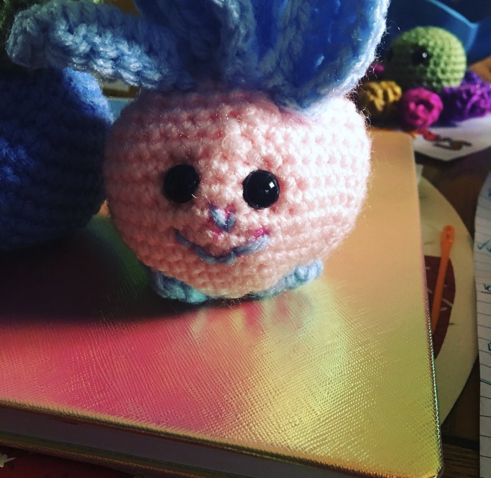 Cotton Candy Oddish made by @croshellbelle