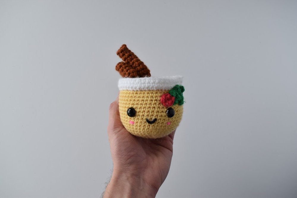 Jeffrey the Eggnog - Free crochet pattern (amigurumi)