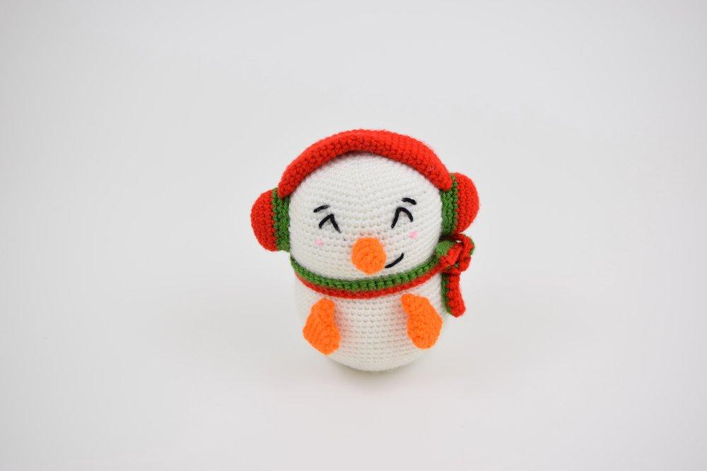 Casper the Snowman (Jumbo) - Free Amigurumi Pattern
