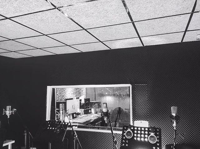 ¡Preparando microfonía! #albantaestudio #neumann #estudio ---www.albantaestudio.com