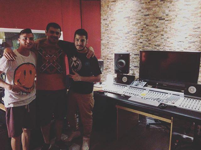 ¡Hiphoplogía! @pelaonf @darioxiyo @pskhh22 #albantaestudio #estudio #raptotana www.albantaestudio.com