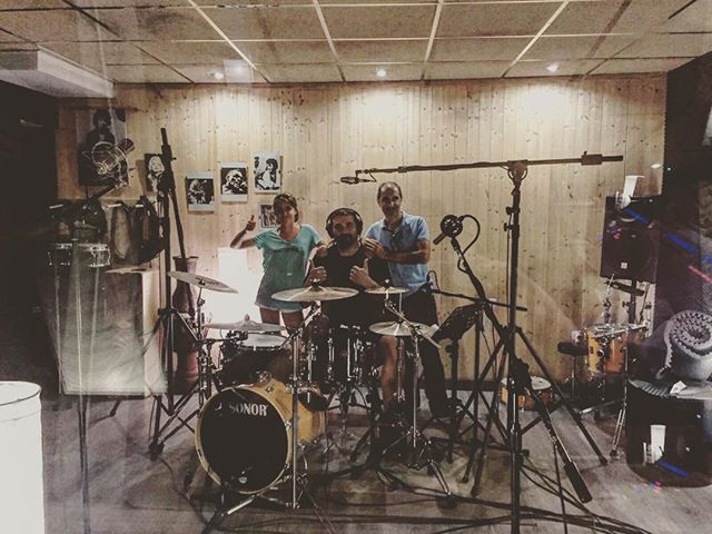 Terminadas las baterías del próximo disco de @_rosensongs!! @laborda.antonio #albantaestudio #recording #sonor #drums