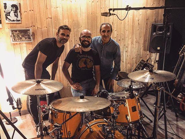 ¡Nueva sesión de baterías con @daniruix para el nuevo proyecto de @juanchiruiz! www.albantaestudio.com