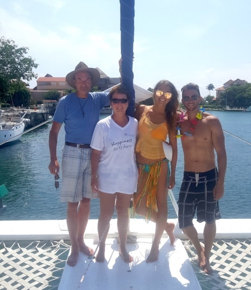 Our catamaran snorkel trip- 4 hours of sunbathing, snorkeling, dancing (that's the party skirt I was given by the captain lol), eating, drinking and enjoying the gift of LIFE :)