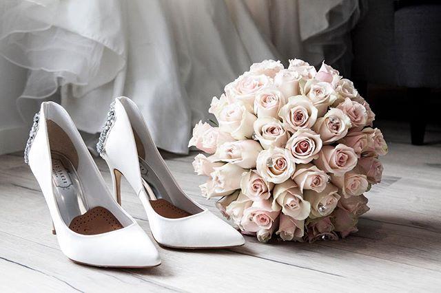 Spring wedding vibes🌷 . . . . . #flowerstagram #brightonwedding #bloom #blooms #shoes #tedbaker #bride #groom #bridetobe #weddinginspiration #springwedding #floral #brightonbeach #eventplanner #venues #weddingplanner #engaged #love #amazing #weddingphotographer #weddingday #flowermagic #spring