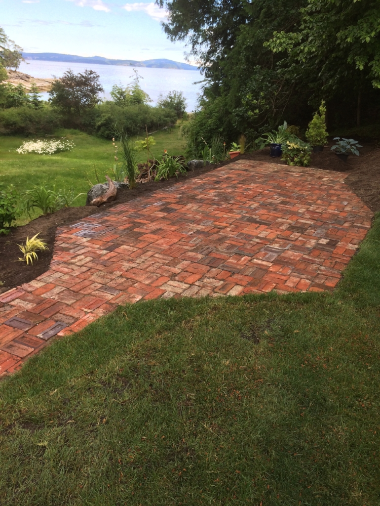 patio landscaping - nanaimo