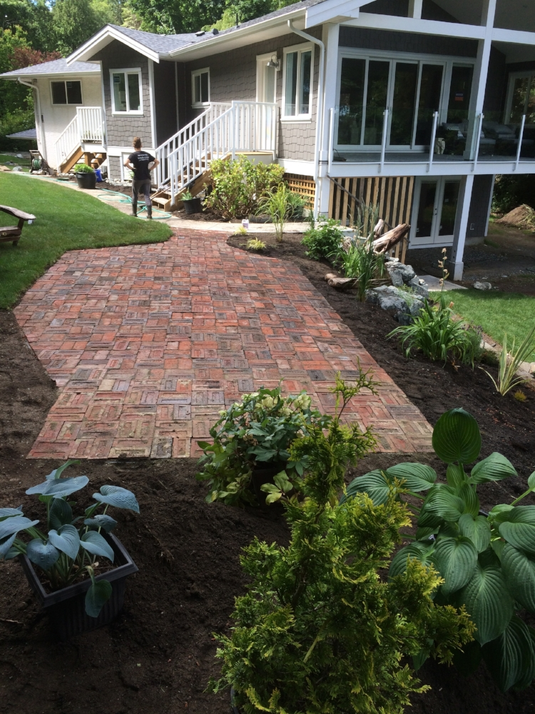 paver patio - nanaimo 2017
