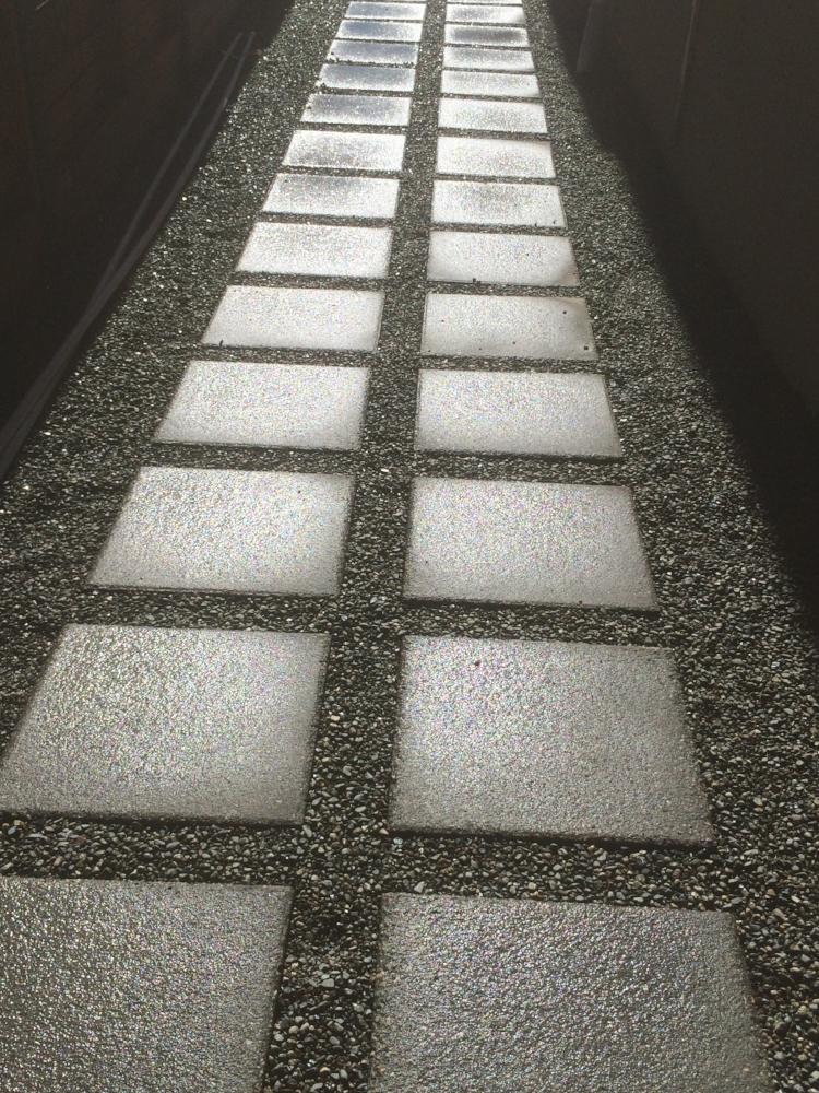 paver slab walkway - jinglepot landscaping & irrigation - nanaimo