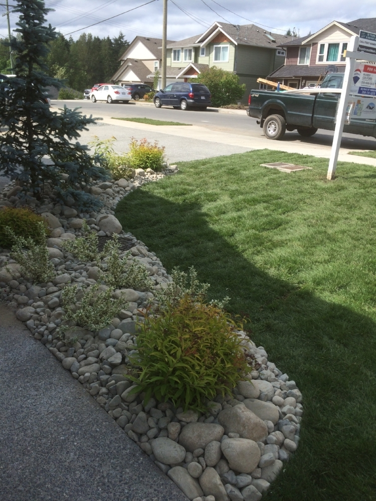 south nanaimo landscape installation