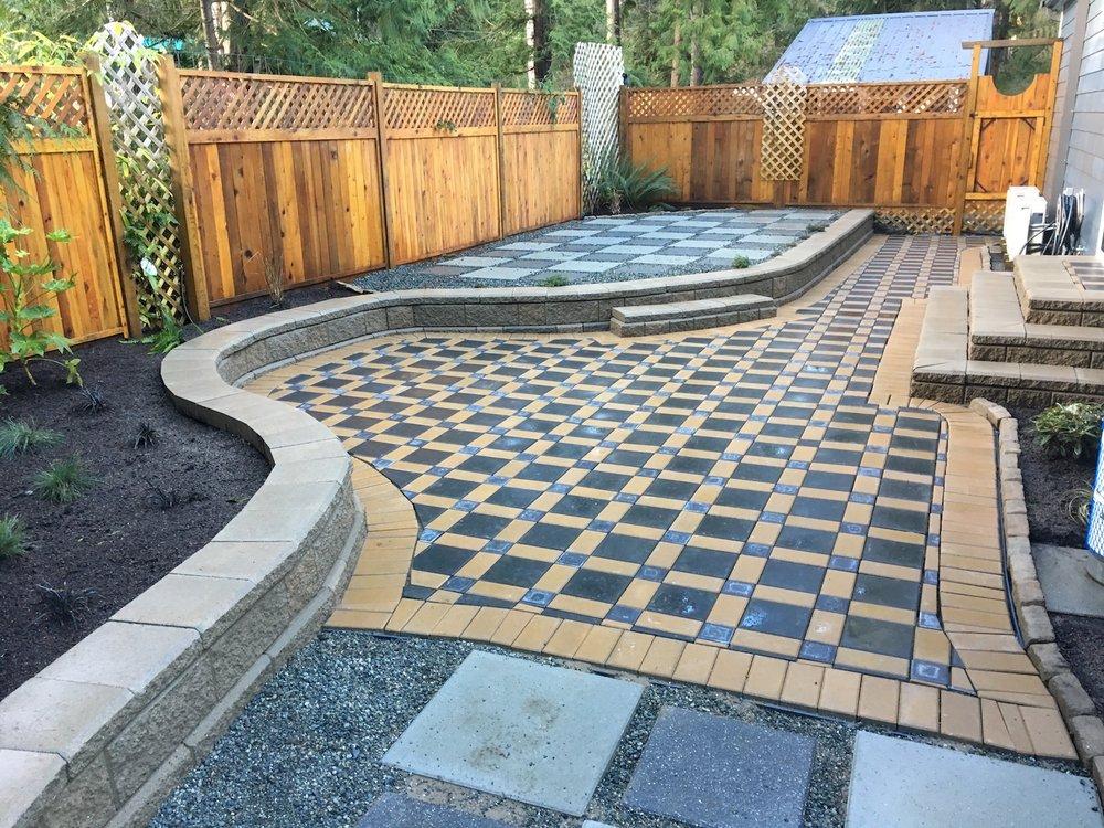 patio, stairs, allan block retaining wall - nanaimo landscaping