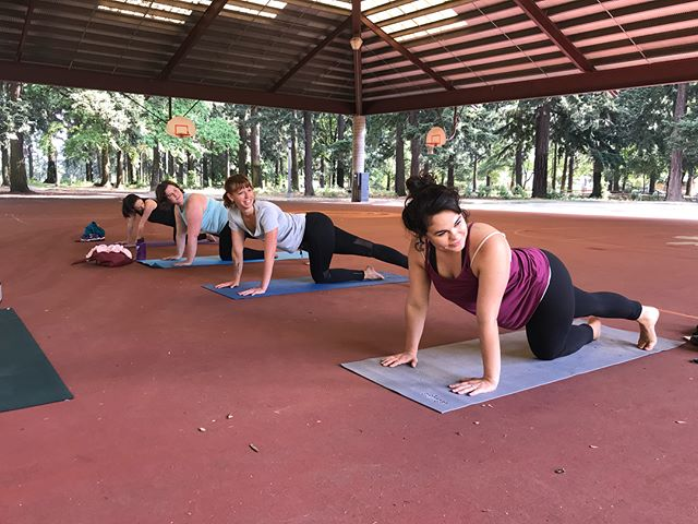 Yesterday morning's yoga sculpt with these lovely ladies 🤸🏻‍♀️ Come join in the fun: Saturday's 9am Alberta Park 🧘🏻‍♀️ What brings you to your mat? #yoga #community #portlandoutdoorfitness