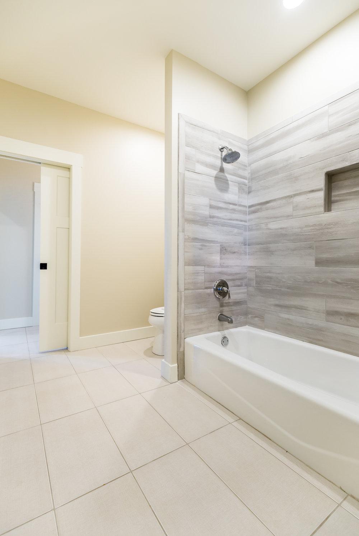 JJ Bath-3970.jpg