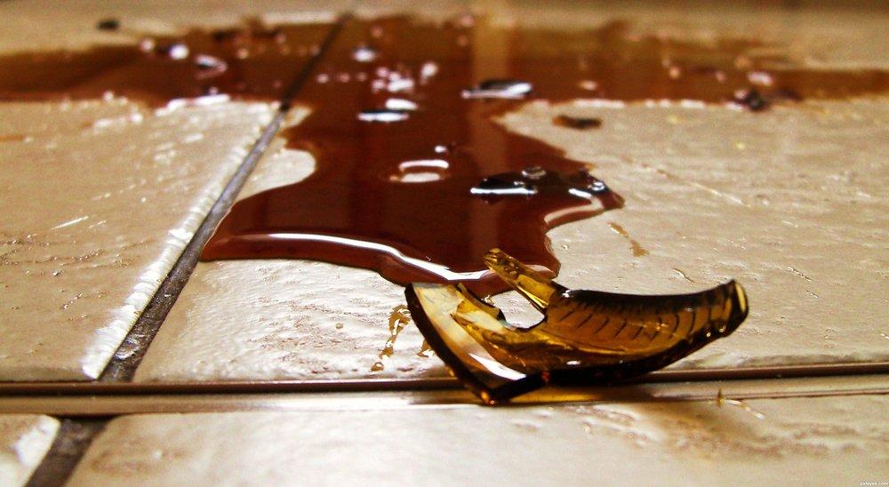 Broken-Bottle-4e42c63910017_hires.jpg