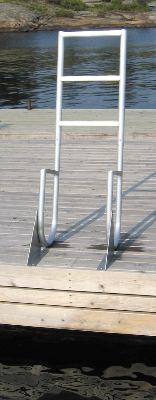 ALUMINUM FLIP-UP - With the same great features of the fixed aluminum ladder, this ladder, available in 3, 4 or 5 step models is an attractive addition to any marine application. Easily flipping up and out of the water when not in use, it is easily secured in the up or down position with a handy retainer pin.Rail Height: 20
