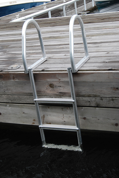 FLIP-UP ECO - WELD FREE ALUMINUM - These durable ladders have been designed to make a minimum carbon footprint and flip up and out of the water when not in use. It is manufactured with no welding processes involved. Easily assembled in a few minutes with stainless steel fasteners. Wider steps make for a sure grip and a safe climb.Rail Height: 18-1/2