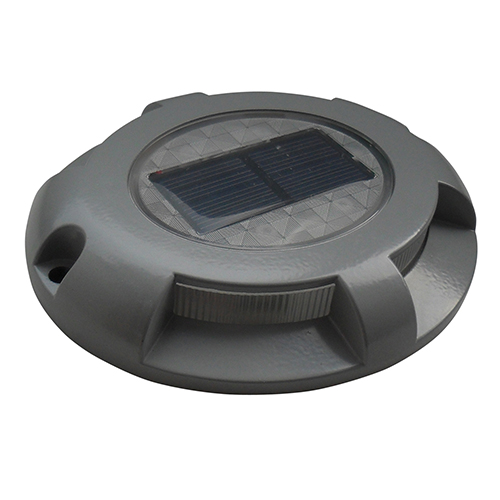 - • Perfect for docks and decks• Automatic on-at-dusk• Weatherproof, durable• Works 8 hours on a full charge• Replaceable, rechargeable battery• 4-5 lumens (emitted light)