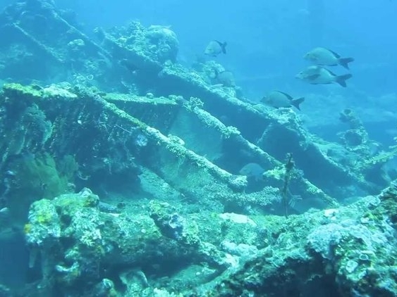 Shipwreck while scuba diving with When in City