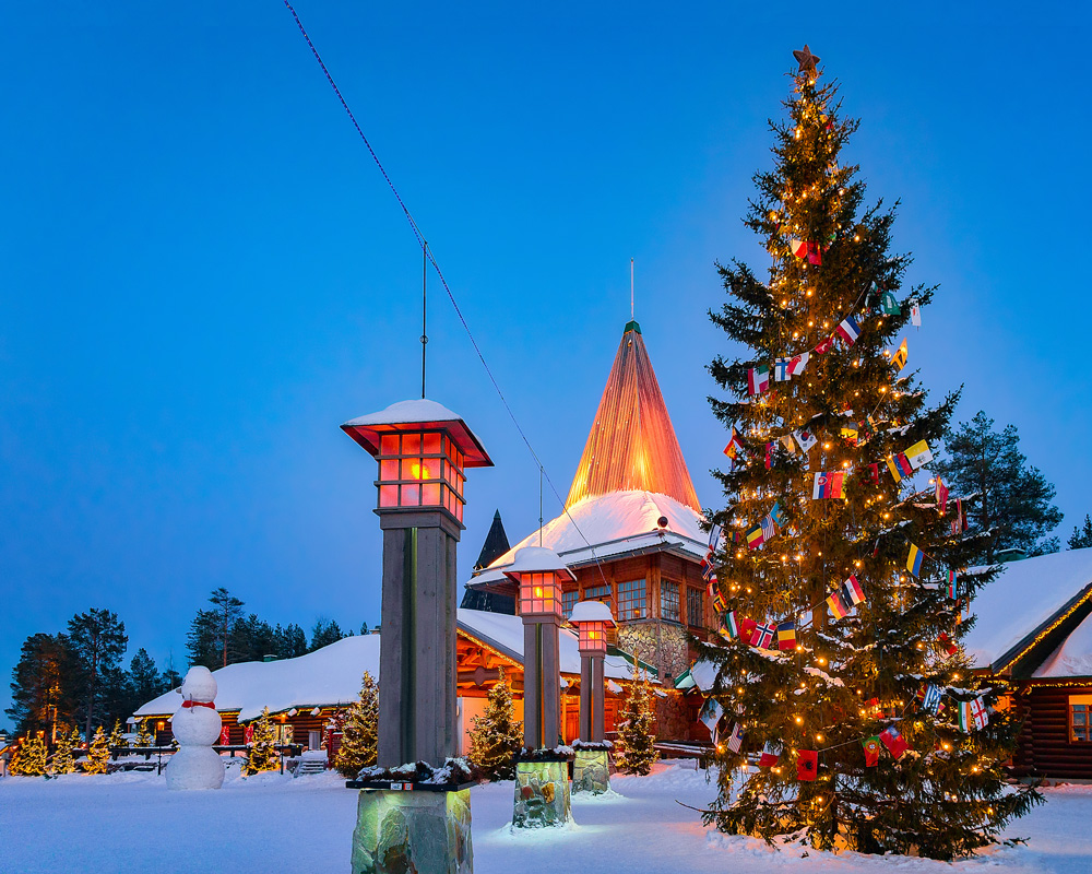 Group Trip for Northern Lights in Scandinavia, Europe