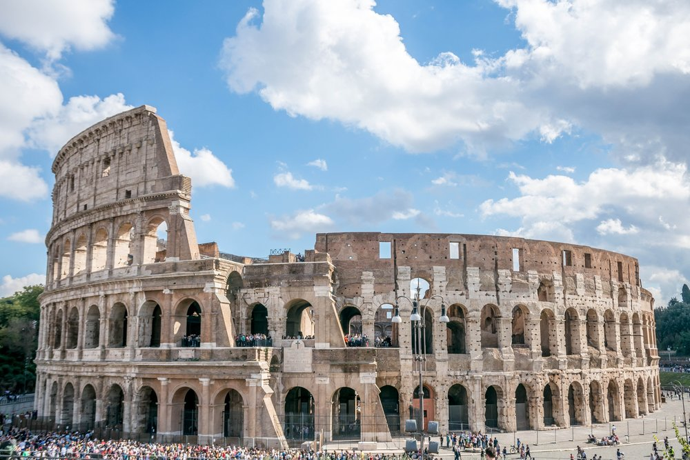 Backpack and explore Rome & Italy with Group Trip of When in City