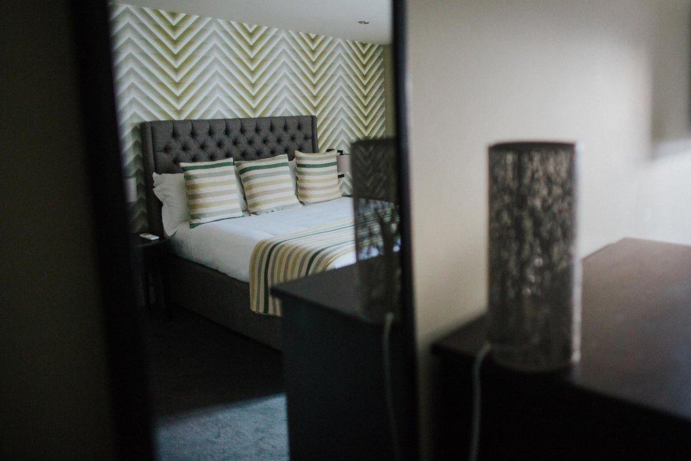 Hotel bedroom at The Globe pub in Warwick.jpg