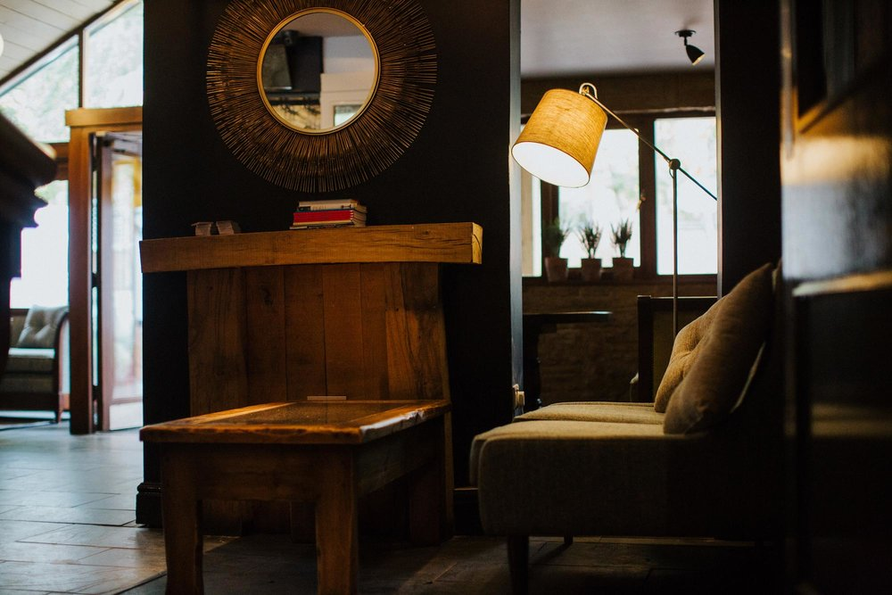 Lounge area in the bar at The Globe pub and restaurant in Warwick.jpg