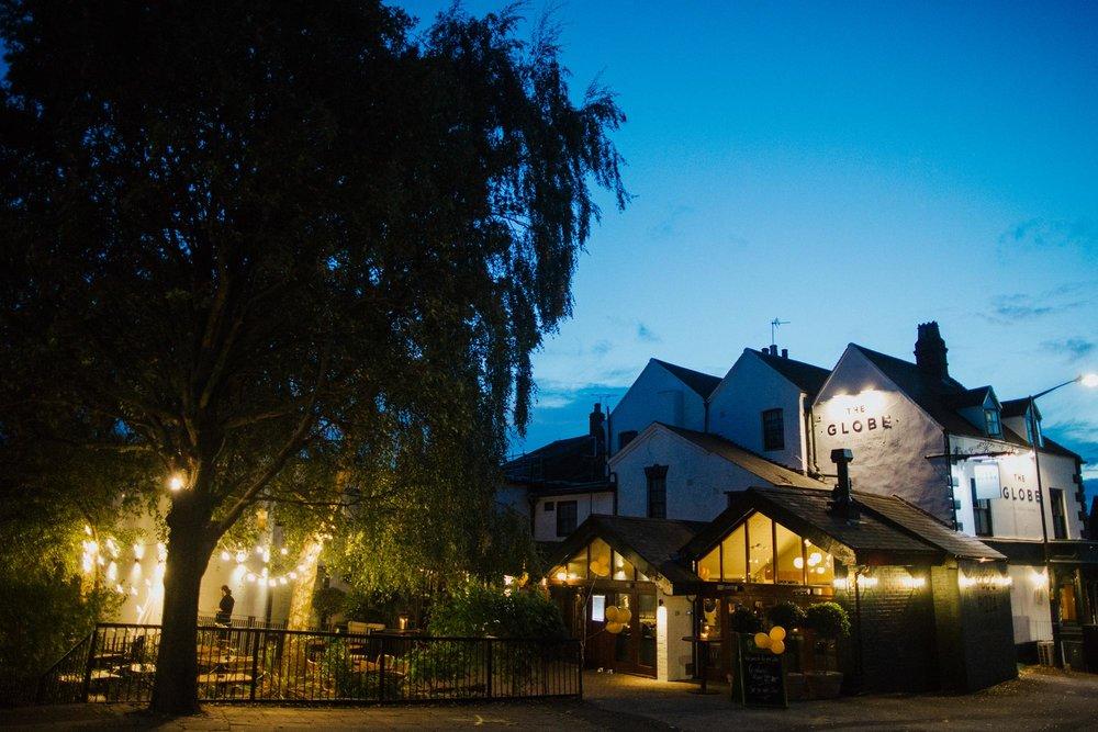 The Globe pub, restaurant and hotel in Warwick.jpg