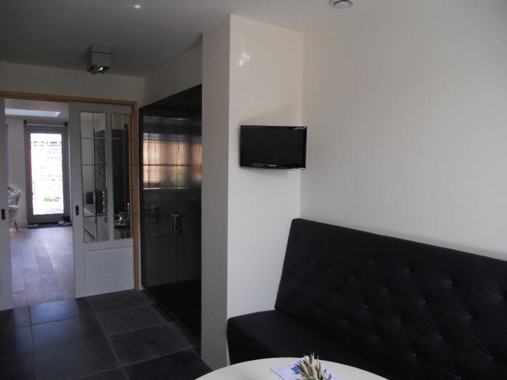 Tv uitbreiding keuken aangesloten op apple TV