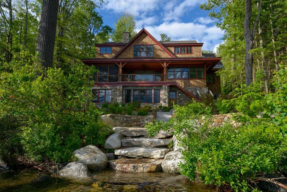 lakefront_home