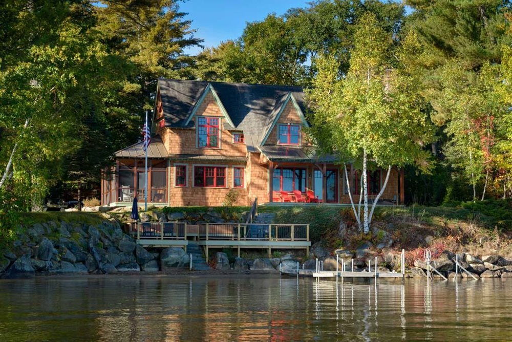 LAKEFRONT COTTAGE   LAKE WINNISQUAM, NH   residential