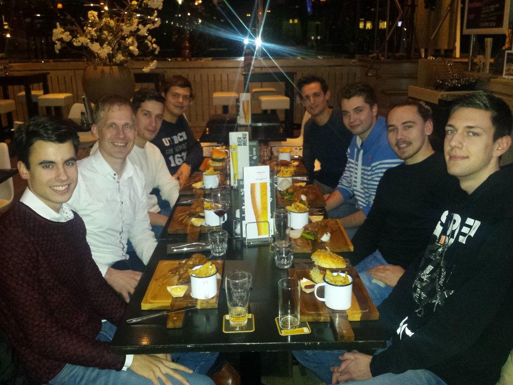 Hapje eten met een aantal van onze softwaretoppers