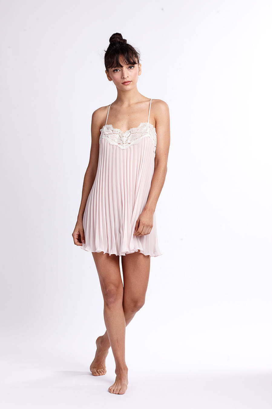 OR PLEATED CHEMISE