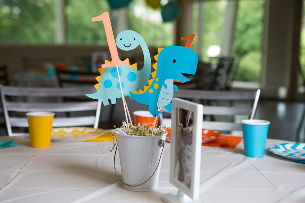 dinosaur party decor, dinosaur table decorations, boy first birthday party, Wrap It Up Parties