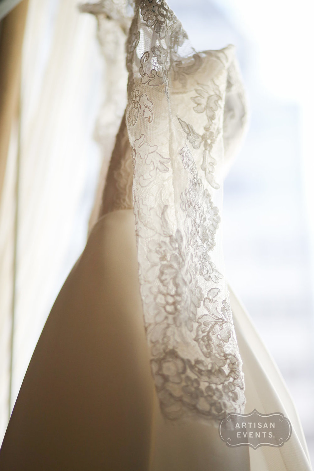 wedding dress, Chicago Cultural Center, Wrap It Up Parties