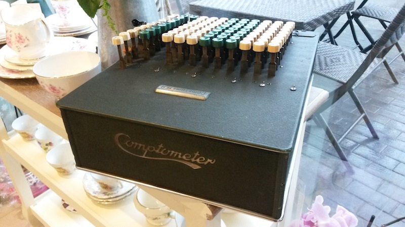 Comptometer at Lakehouse Tea Room, Leytonstone