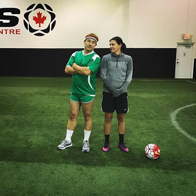 In honour of the #worldcup here is a little throwback action to hanging out with Canadian soccer star @c_sinc12 for the Air Farce NYE special ⚽️ . . #throwback #tbt #latergram #bts #behindthescenes #soccer #airfarce #setlife #production #vancouver #canadiantv #canada @craiglauzon